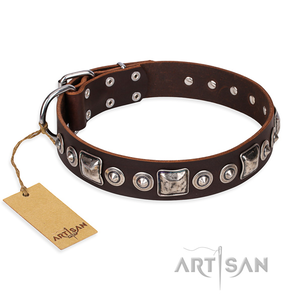 Leather dog collar made of flexible material with rust-proof D-ring