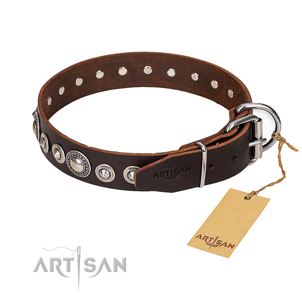 Full grain genuine leather dog collar made of top rate material with reliable traditional buckle